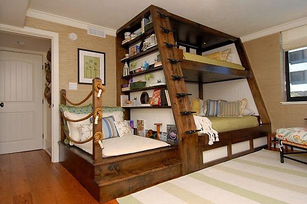Poschodová posteľ pre detskú izbu v námorníckom štýle